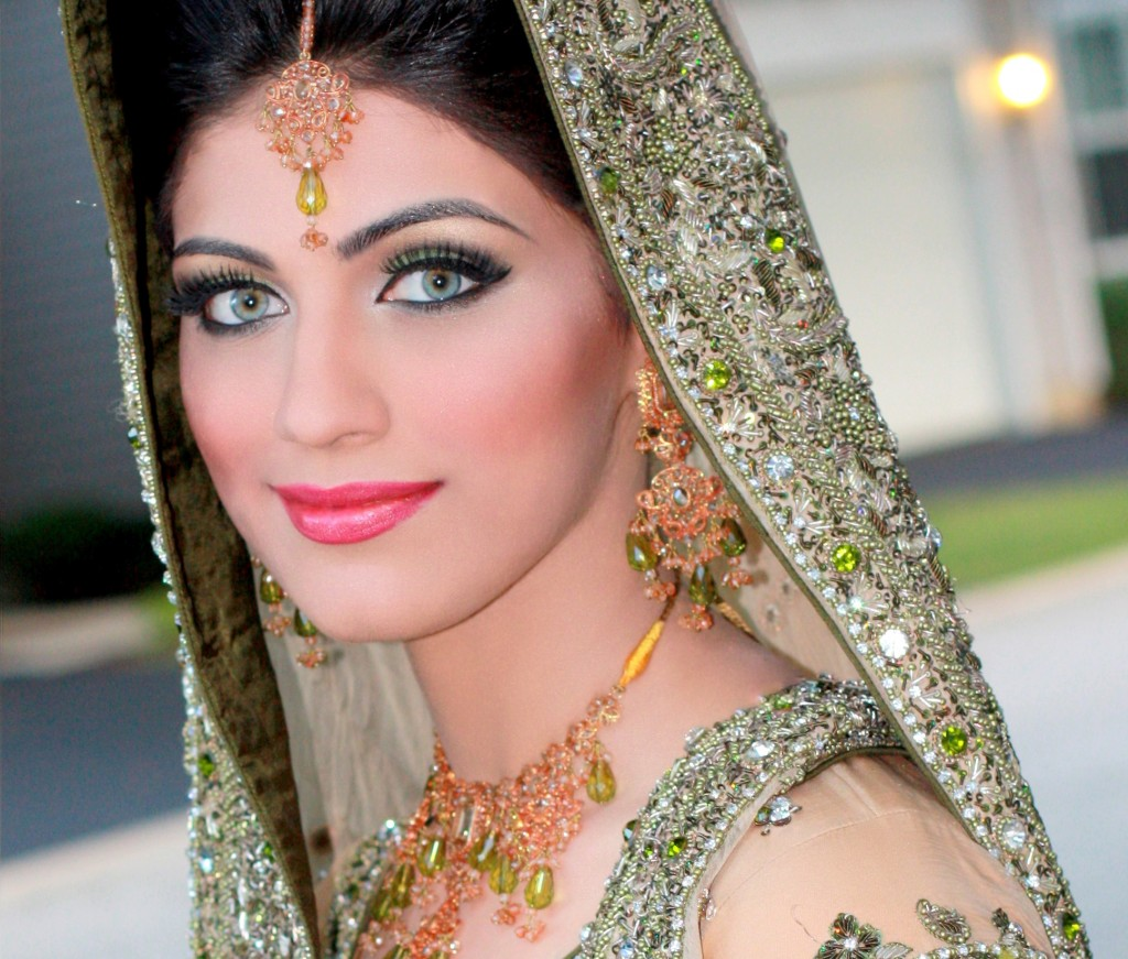 173 3 pp 1024x871 Goddess Makeup By Saleha Abbasi