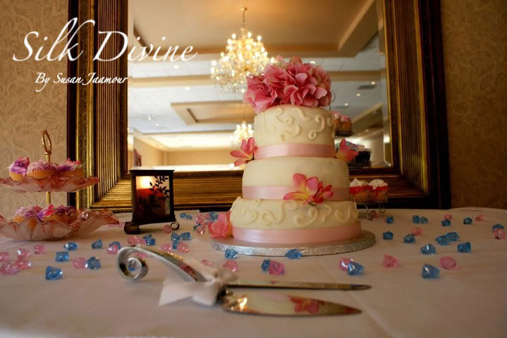 Wedding Cake Silk Divine By Susan Jaamour Bridal Cakes By Silk Divine 
