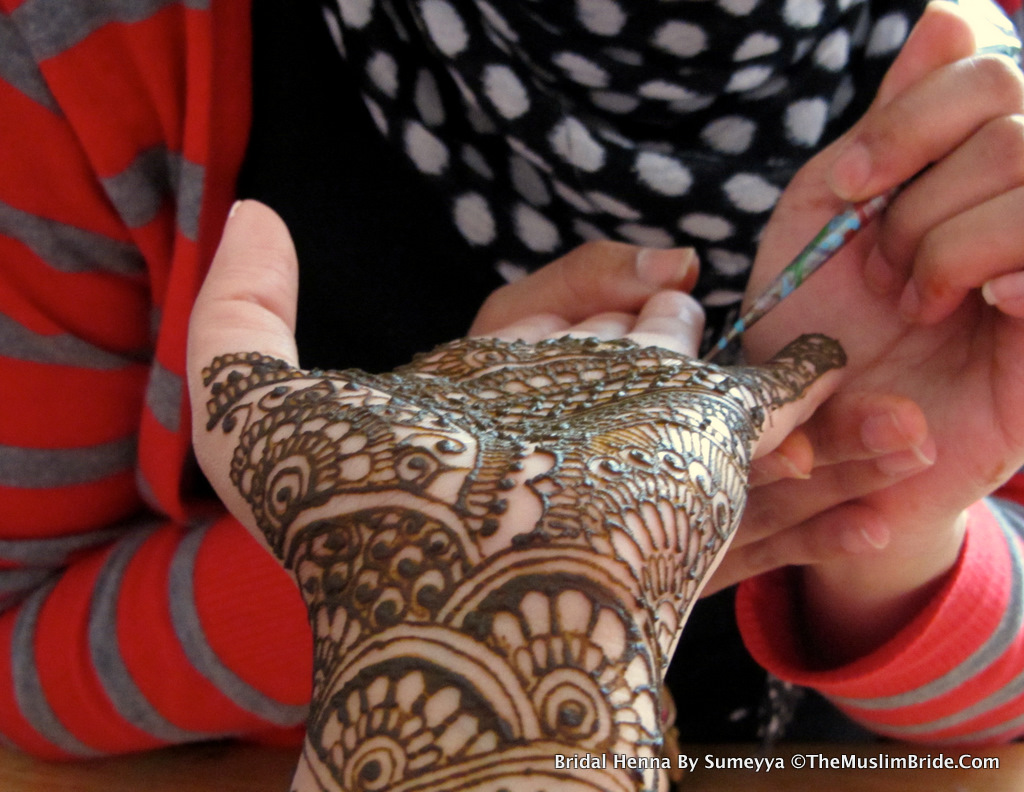Sanas Bridal Henna By Sumeyya The Details The Muslim Bride The Muslim Bride Special Wedding Feature: Sanas Bridal Henna Application Day