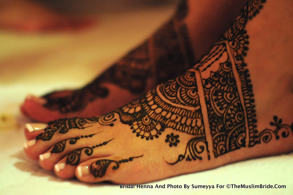 Sanas Bridal Henna on Feet By Sumeyya The Muslim Bride The Muslim Bride Special Wedding Feature: Sanas Bridal Henna Application Day